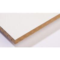 <p>Gemelamineerd MDF is tweezijdig voorzien van een 120gr/m&sup2; witte melamine structuur. Door de afwerking van de plaat is deze direct toe te passen, onder andere in de meubelbouw of als afwerking van muren en plafonds.</p>