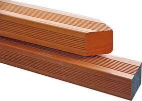 Hardhouten palen, regels en planken