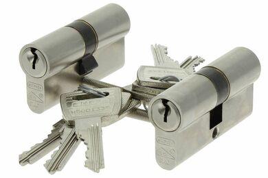 NEMEF Cilinder 111/9 Gelijksluitend Vernikkeld 60mm SKG2